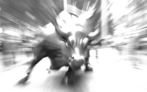 charging_bull_sculpture
